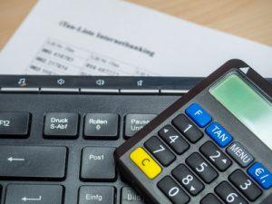 Gebühren der Banken für SMS-TAN, © animaflora, studenten-giro-konto.de